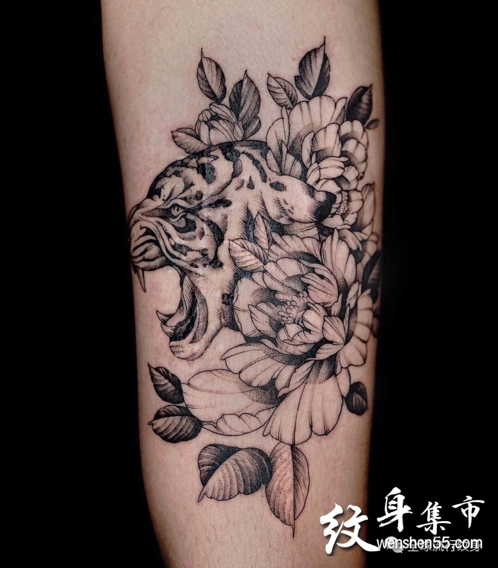 素花与蛇纹身,素花与鹿纹身,素花与虎纹身