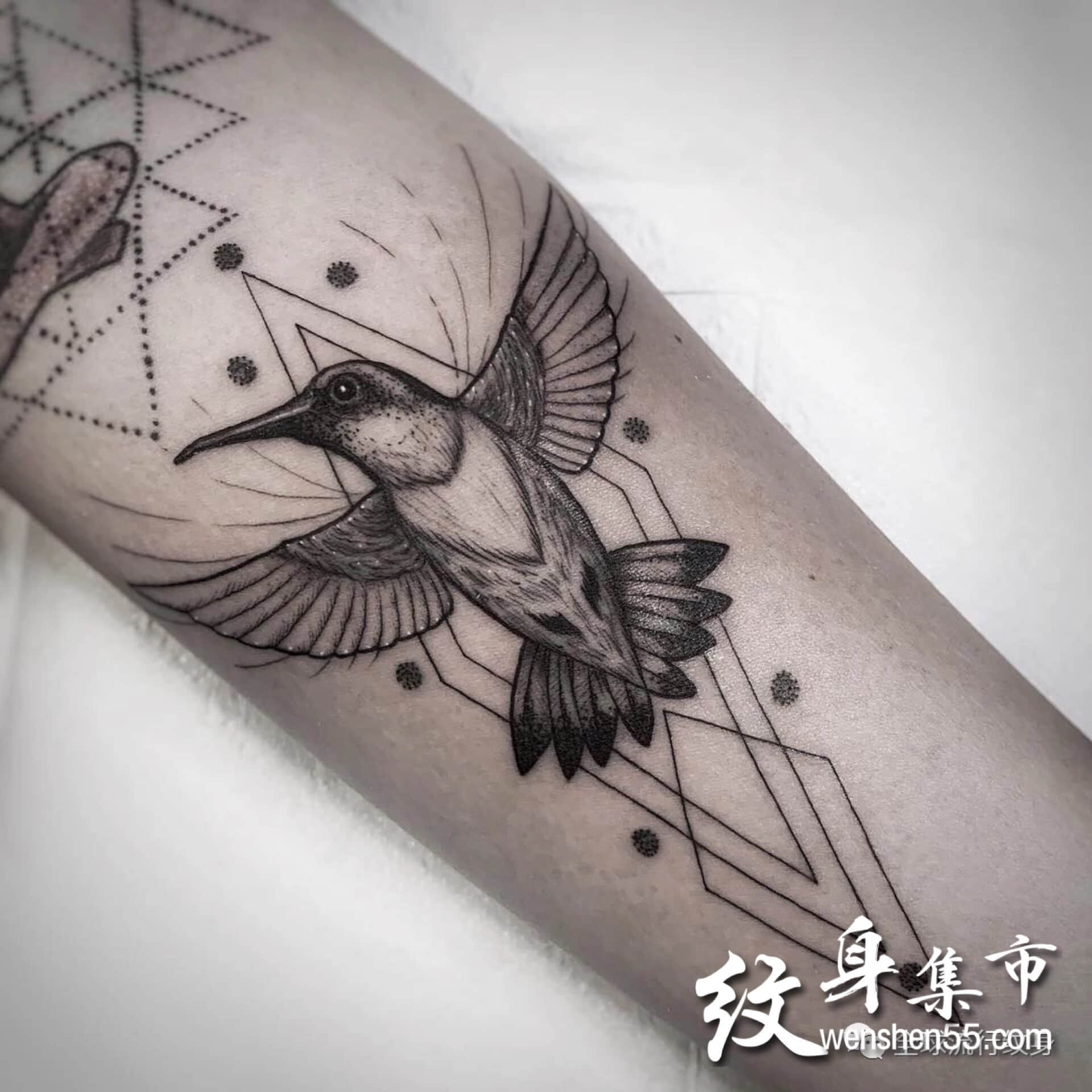 手臂纹身,小腿纹身