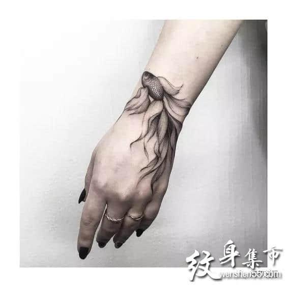 金鱼纹身,金鱼纹身手稿,金鱼纹身手稿图案大全