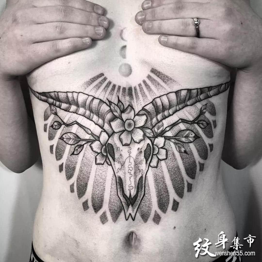 女生腹部胸下纹身,女生腹部胸下纹身手稿图案