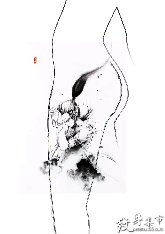 一组适合女性腿部纹身手稿图案