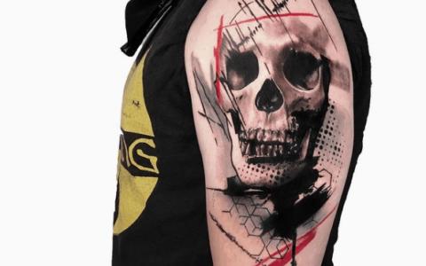 抽象纹身,红黑搭配帅出天际