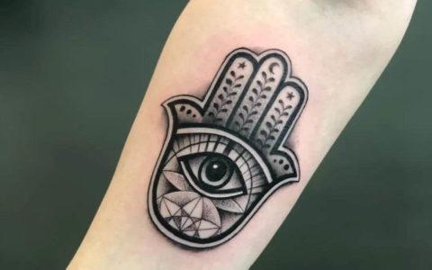 幸运之手、祈祷之手纹身手稿图案